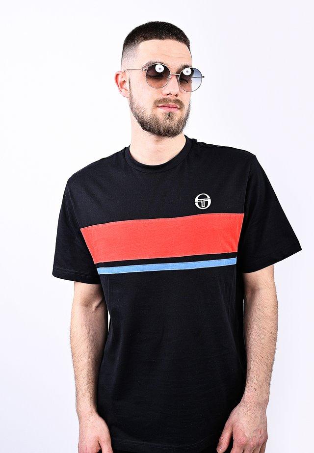 FELUGA  - T-shirt con stampa - blk/vinred