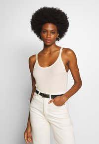 And Less - ALAYA - Top - brilliant white - 0