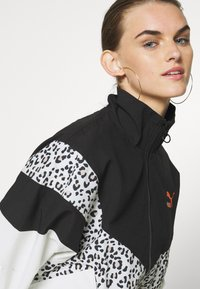 Puma - TRACK JACKET - Windbreaker - black - 3