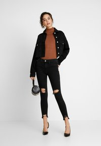 River Island - MOLLY - Jeans Skinny Fit - black denim - 1
