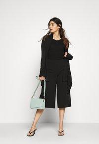 Even&Odd Petite - Pullover - black - 1
