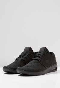 Nike SB - AIR MAX JANOSKI 2 - Sneakers laag - black - 2