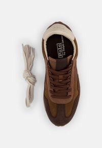 Polo Ralph Lauren - WASHED SUEDE/NUBUCK-TRAIN - Sneakers - desert tan/caffe/ - 3
