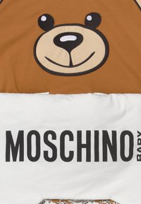 MOSCHINO - BABY NEST - Footmuff - cloud - 3