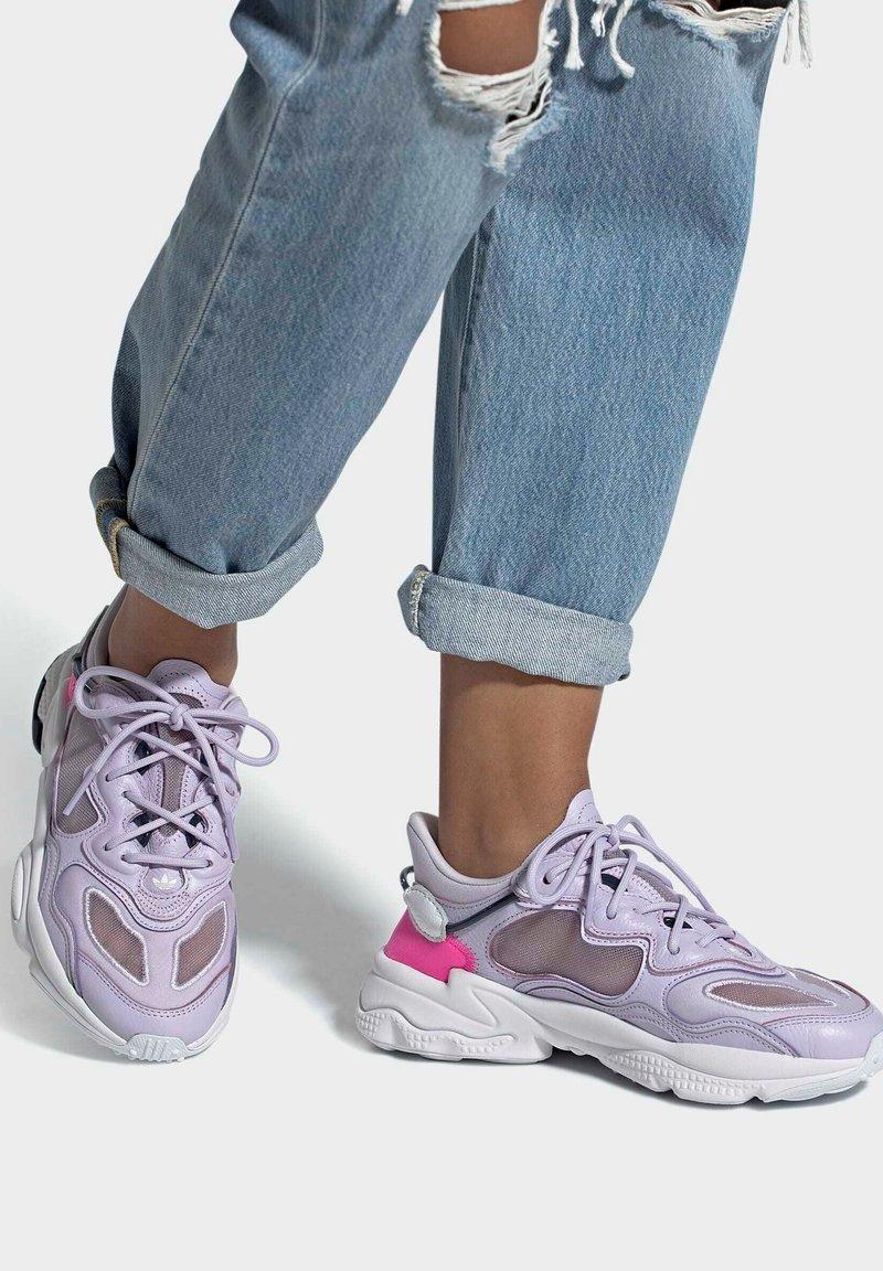 adidas Originals - OZWEEGO LITE W - Trainers - purple
