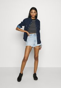 Rolla's - DUSTERS - Denim shorts - bleached denim, destroyed denim - 1
