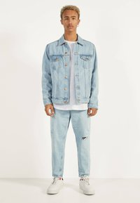 Bershka - Jeansy Relaxed Fit - blue - 1