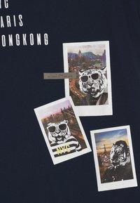 Name it - NKMFAUST - Print T-shirt - dark sapphire - 2