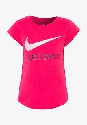 TEE - Print T-shirt - dark hyper pink