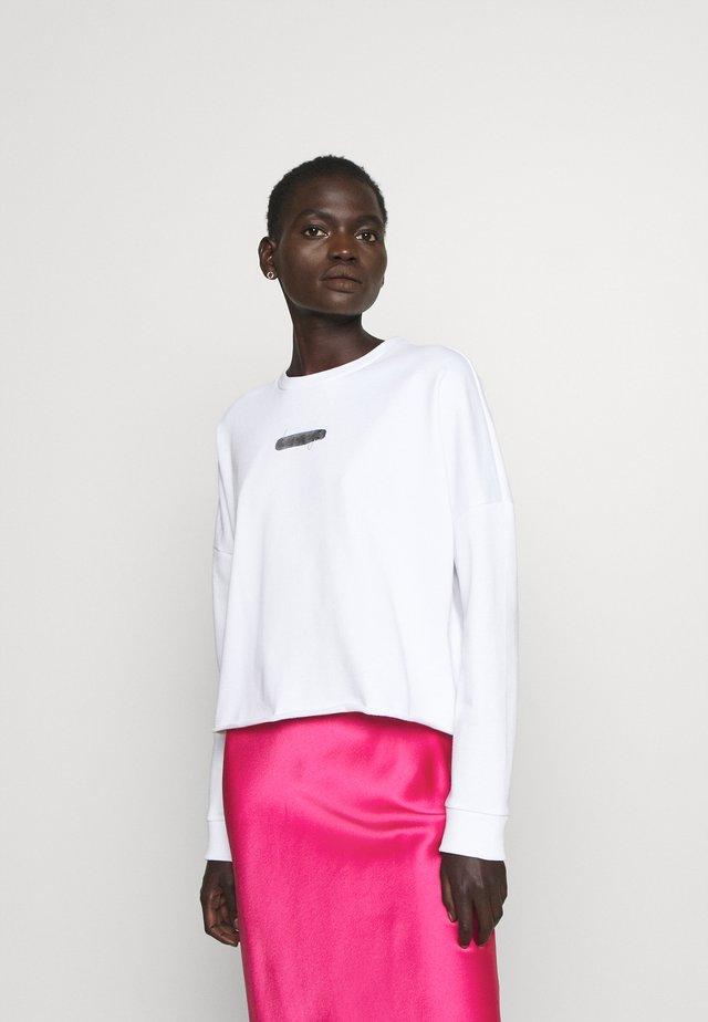 ROVENAS - Falda larga - bright pink