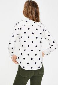 Boden - DAS NEW CLASSIC - Button-down blouse - off-white - 2