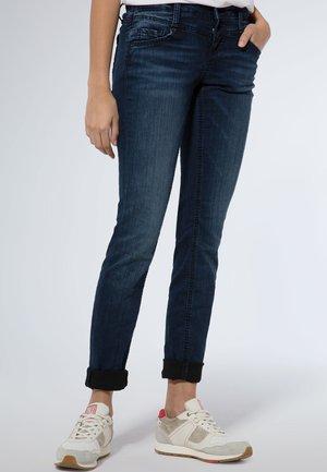 MIT DUNKLER WASCHUNG - Slim fit jeans - blue / black