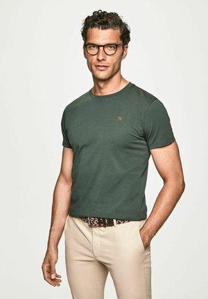 LOGO TEE - Basic T-shirt - deep forest