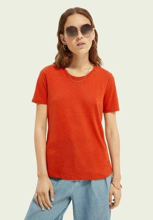 T-shirt basic - burned amber