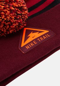 Nike Performance - BEANIE CUFFED TRAIL UNISEX - Gorro - dark beetroot - 4