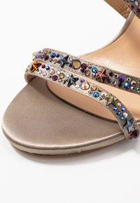Alma en Pena - Sandaler med høye hæler - pewter - 2