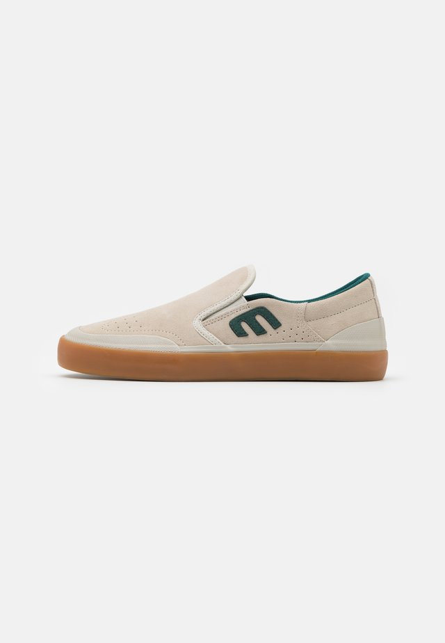 MARANA SPLIT - Loafers - white/green