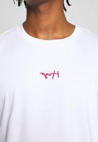 HUGO - DURNED - Print T-shirt - white - 5