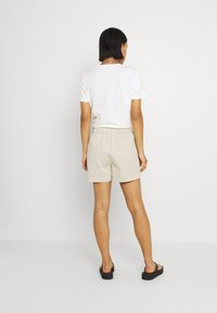 JDY - JDYMAGGIE LIFE PAPER NEW - Shorts - tapioca - 2