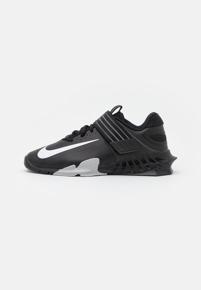 SAVALEOS UNISEX - Sportovní boty - black/white/grey fog/laser orange