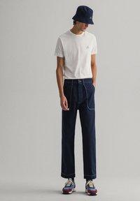 GANT - CONTRAST - Basic T-shirt - off white - 1