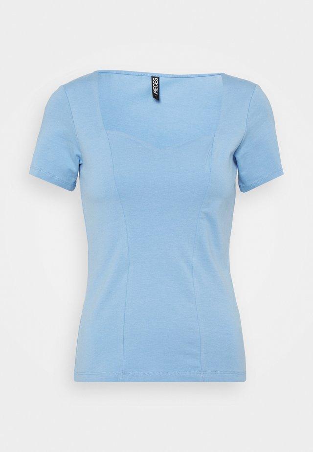 PCANG  - T-shirt z nadrukiem - little boy blue