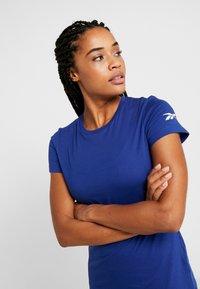 Reebok - TEE - Camiseta básica - cobalt - 0