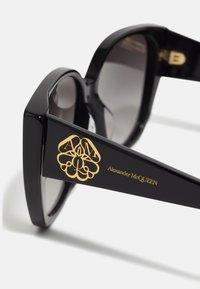 Alexander McQueen - Sunglasses - black/black/grey - 3
