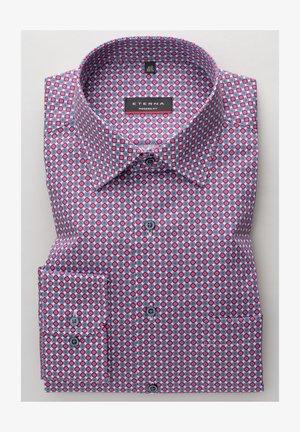 MODERN FIT - Shirt - rot/blau