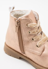 Friboo - Bottines à lacets - rose gold - 2