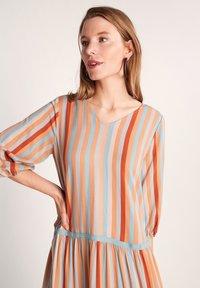 comma - Day dress - terracotta stripes - 3