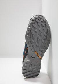 adidas Performance - TERREX SWIFT R2 GORE-TEX - Hiking shoes - legend marine/core black/tech copper - 4