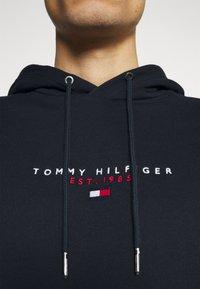 Tommy Hilfiger - ESSENTIAL HOODY - Felpa con cappuccio - desert sky - 4