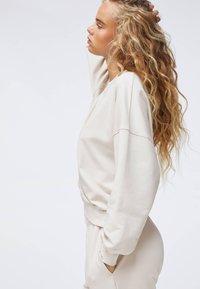 OYSHO - Sweater - beige - 3