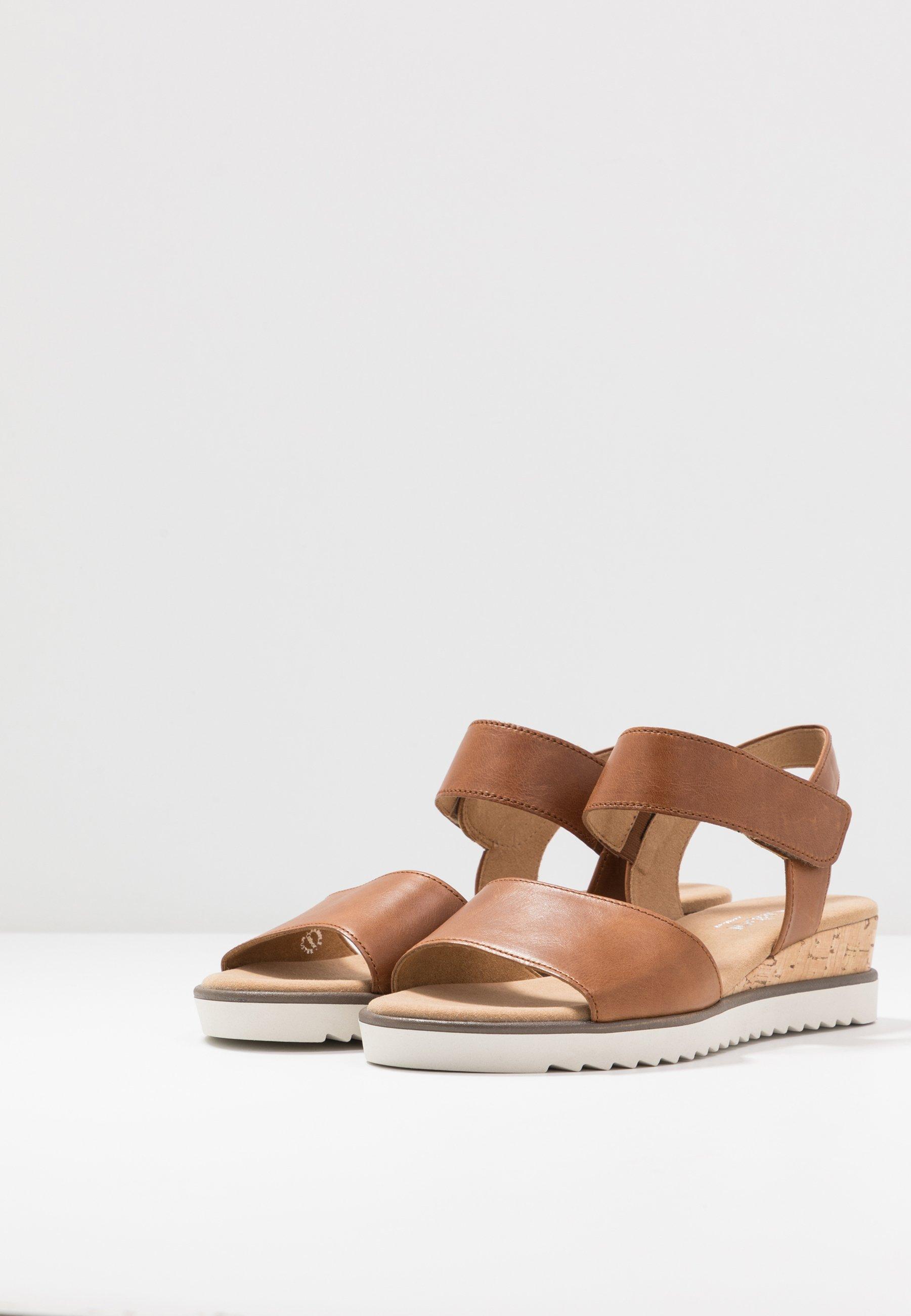 Jakość Aaa Obuwie damskie Gabor Comfort Sandały na koturnie camel/creme