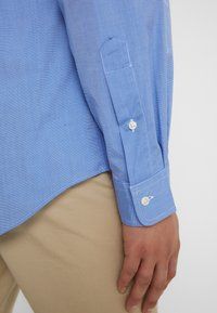 Polo Ralph Lauren - CUSTOM FIT - Camisa - blue end on end - 4