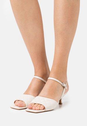 Sandalias - offwhite