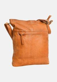 Gusti Leder - Tote bag - cognac - 3