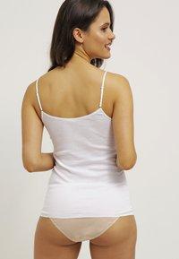 Hanro - SEAMLESS SPAGHETTI - Undershirt - white - 2