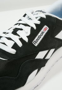 Reebok Classic - CLASSIC NYLON BREATHABLE LIGHTWEIGHT SHOES - Tenisky - black/white - 5