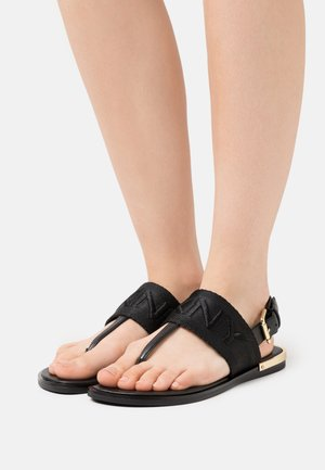 AMBER SLINGBACK FLAT THONG - Sandály s odděleným palcem - black/shiny black