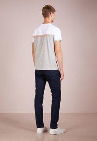 BOSS - DELAWARE  - Slim fit jeans - navy - 2