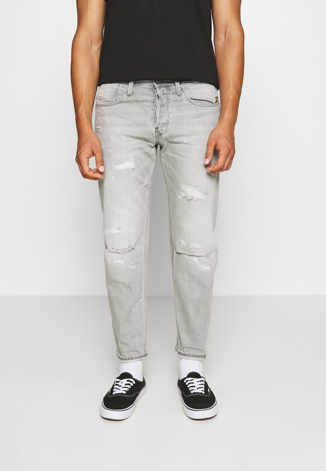 ALUM RELAXED TAPERED - Relaxed fit jeans - sato black denim/sun faded ripped pewter grey