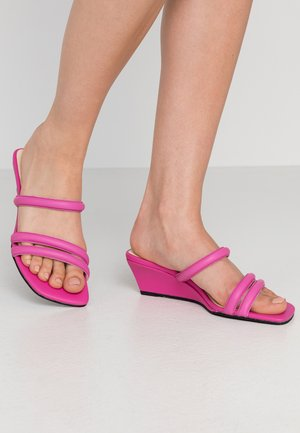 NELLIE - Heeled mules - pink
