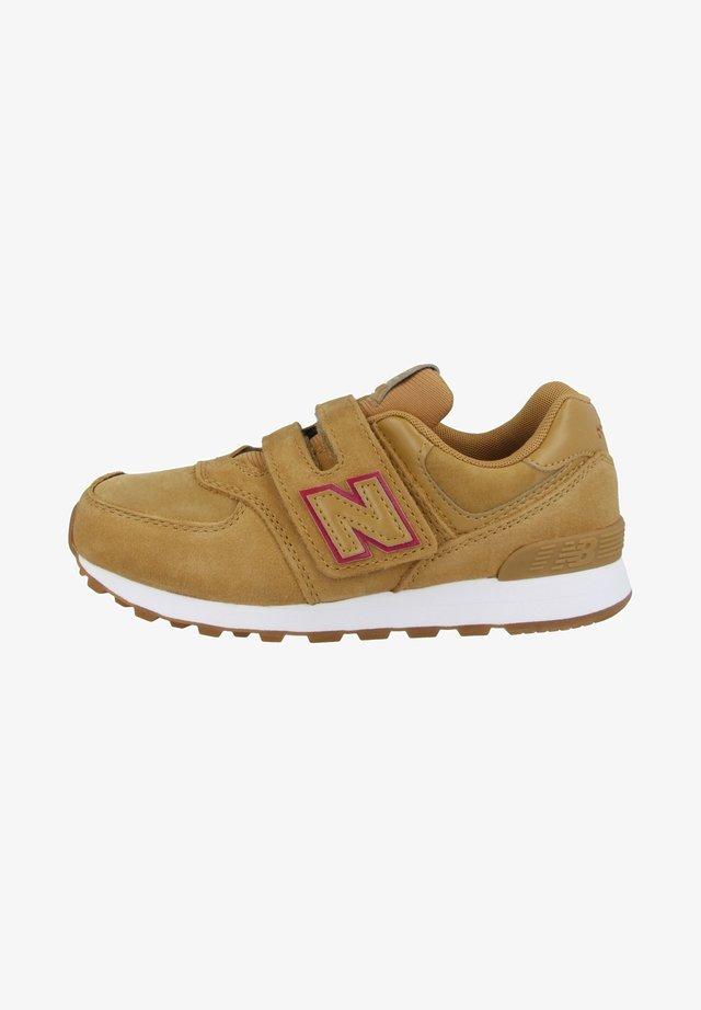 Sneakers - tan