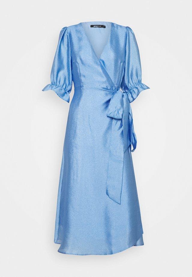 MILLY WRAP DRESS - Cocktailkjoler / festkjoler - light blue