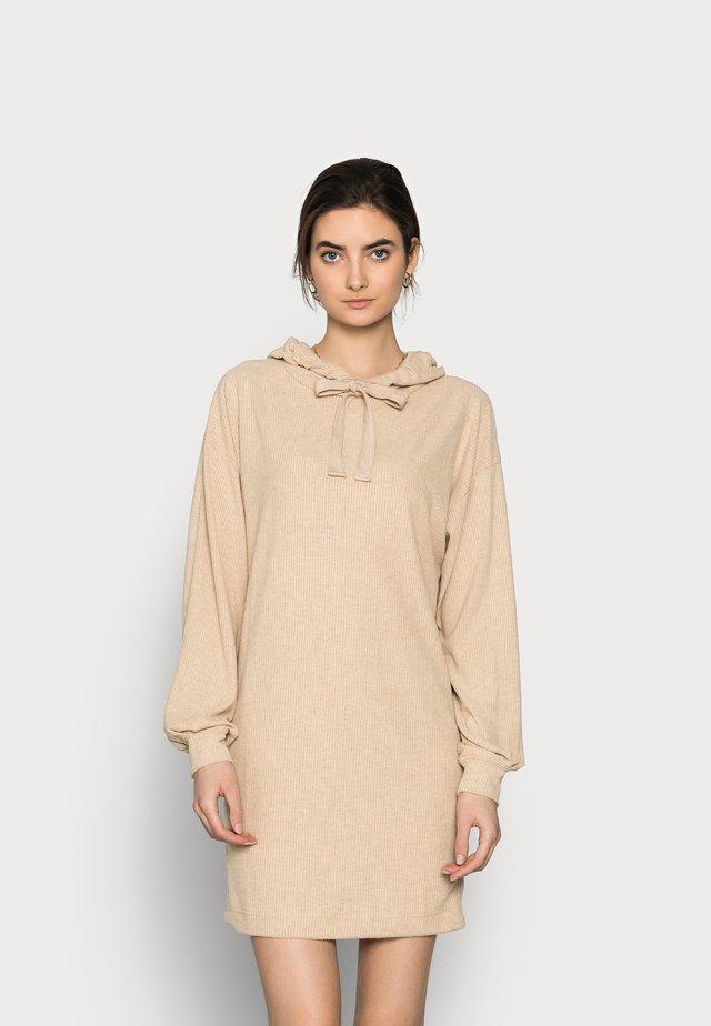 ONLZOE DRESS - Kjole - beige