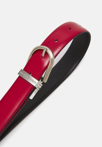 Emporio Armani - SMOOTH TONGUE BELT - Belt - red lacquer/black - 2