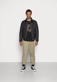 adidas Originals - DECO TREFOIL - T-shirt con stampa - black - 1