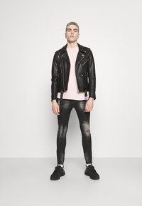 Kings Will Dream - OVERTON SUPERSLIM JEAN - Jeans Skinny Fit - washed black - 1